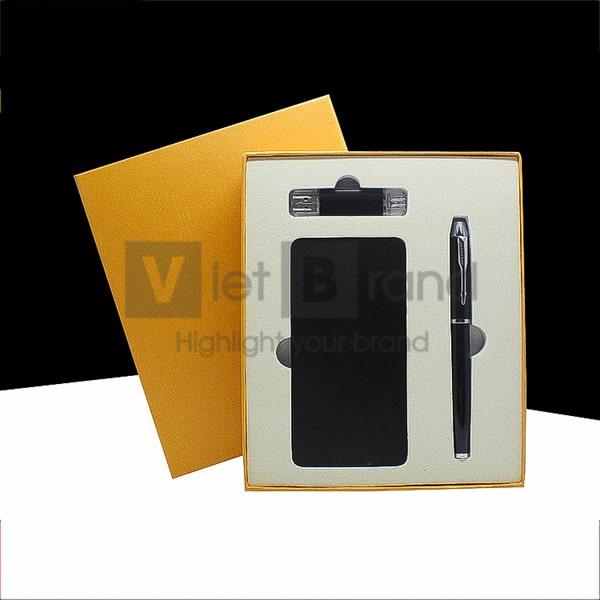 Gift set công nghệ 3 món Pin sạc dự phòng, USB, bút ký kim loại