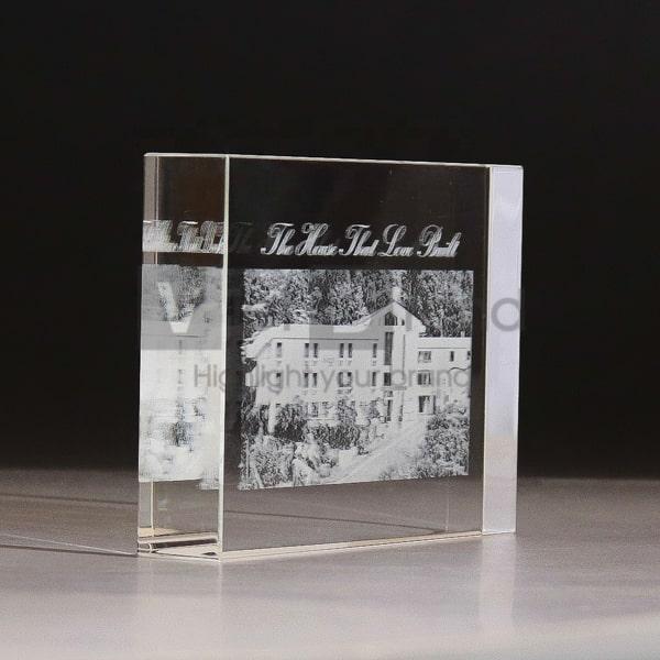 Chặn giấy pha lê cao cấp hình chữ nhật khắc 3D | In ấn theo yêu cầu