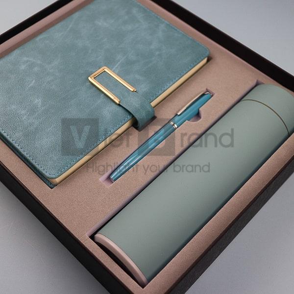 Gift set 3 món: Bình giữ nhiệt, Sổ và Bút ký kim loại   Quà tặng đối tác